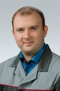 Игорь Макоев. Менеджер сервисного центра. Стаж работы с автомобилями 4 года.