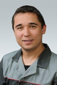 Максим Аитов. Менеджер сервисного центра. Стаж работы с 2007г.